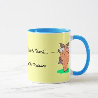 """La vaca santa, los """"amigos permanece en contacto """" taza"""