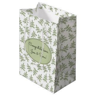 La verde salvia deja el boda del modelo bolsa de regalo mediana