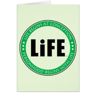 La vida comienza en el concepto felicitaciones