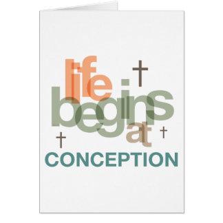 La vida comienza en el concepto tarjeta de felicitación
