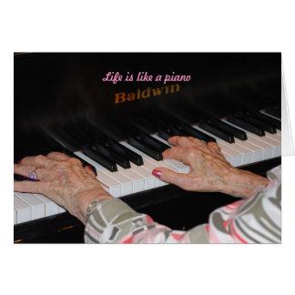 La vida es como un piano tarjeta de felicitación