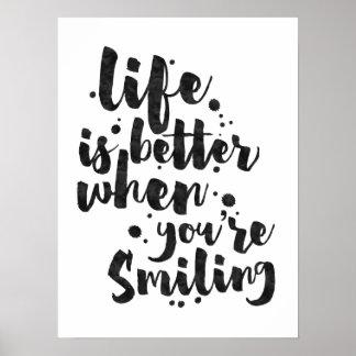 La vida es mejor al sonreír - poster inspirado