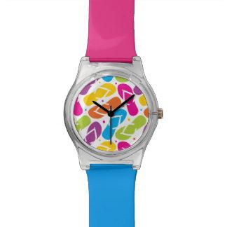 La vida es mejor en modelo de los flips-flopes reloj de pulsera