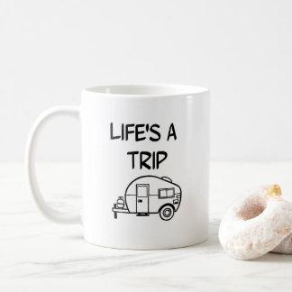 La vida es un nómada rv que acampa de la taza de