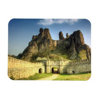 La vista búlgara Belogradchik de la historia Imán