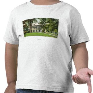 La vista de la loma del olmo, Longfellow residió a Camiseta