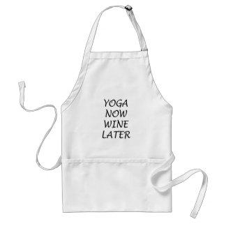 La yoga ahora Wine más adelante Delantal