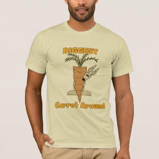 La zanahoria más grande alrededor de las camisetas