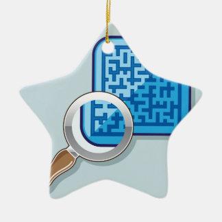 Laberinto bajo vector de la lupa adorno navideño de cerámica en forma de estrella
