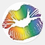 Labios 3 del arco iris pegatina redonda