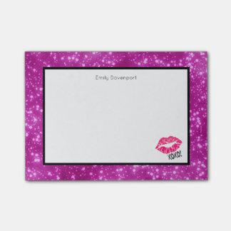 ¡Labios rosados atractivos de Kissy con xoxo! Notas Post-it®