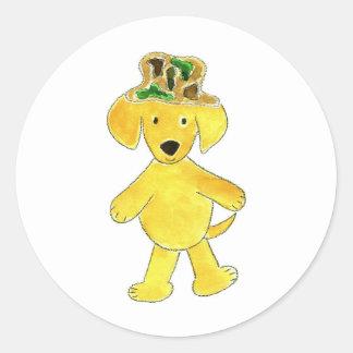 Laboratorio del amarillo del gorra de Camo Pegatina Redonda