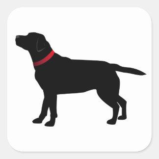 Labrador negro con los pegatinas rojos del cuello pegatina cuadrada