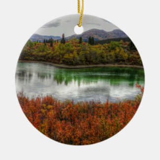 Lago afortunado adorno redondo de cerámica