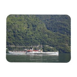 Lago Como, transbordador Imán