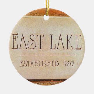 Lago del este, Decatur, Georgia, ornamentos del Adorno Navideño Redondo De Cerámica