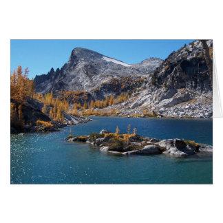 Lago rune, los encantamientos, cascadas, tarjeta de felicitación