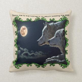 Lánceme a los lobos y volveré verde principal cojín decorativo