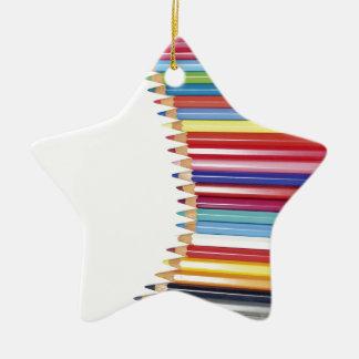 Lápices coloreados adorno de cerámica en forma de estrella