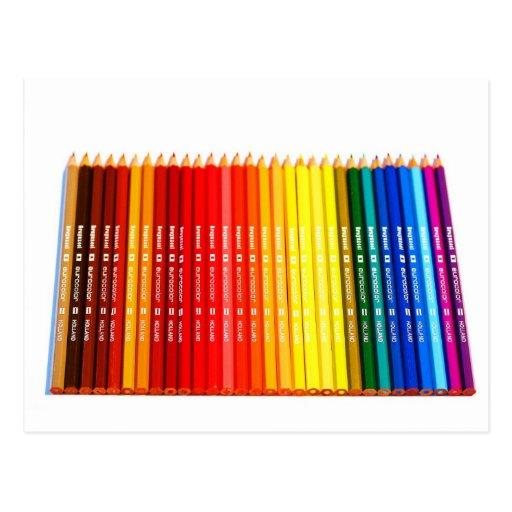 Lápices del color postal