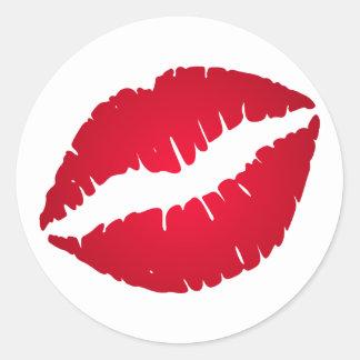 Lápiz labial del rojo rico pegatina redonda