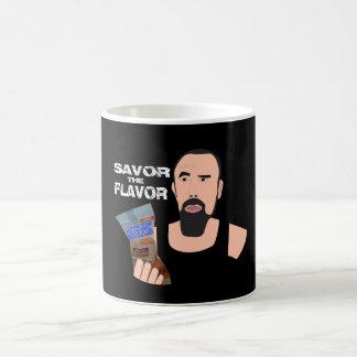 Las bolas de Chris Savor la taza de café del sabor