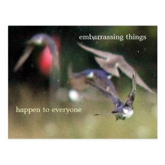 Las cosas embarazosas suceden a cada uno postal