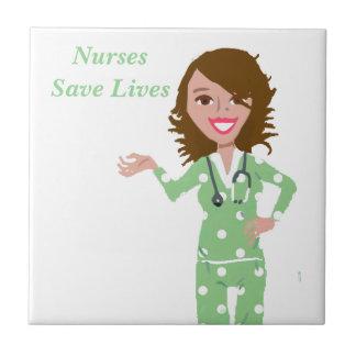 Las enfermeras ahorran vidas azulejo cuadrado pequeño