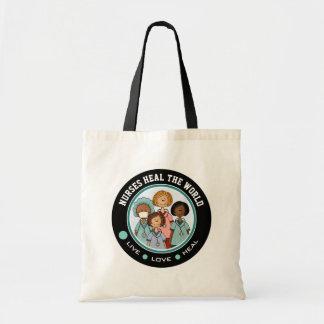 Las enfermeras curan el mundo. Las bolsas de asas