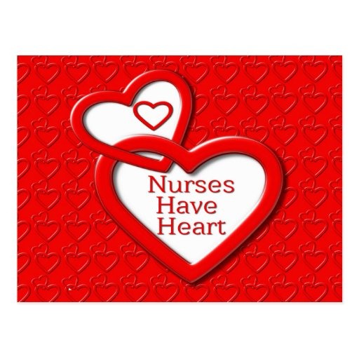Las enfermeras tienen corazones del rojo del coraz tarjetas postales
