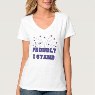 Las estrellas coloco orgulloso la camiseta