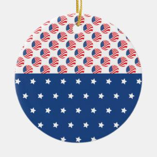 Las estrellas patrióticas rayan la bandera de la adorno redondo de cerámica