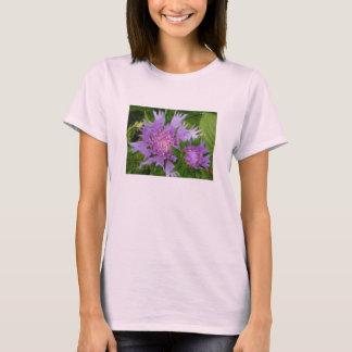 las flores bígaro-coloreadas alimentaron el aster camiseta