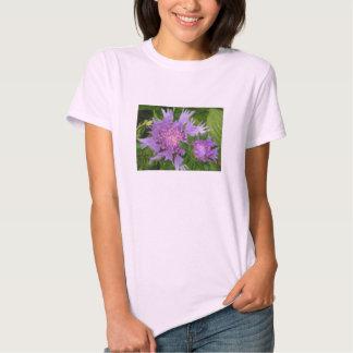 las flores bígaro-coloreadas alimentaron el aster camisetas