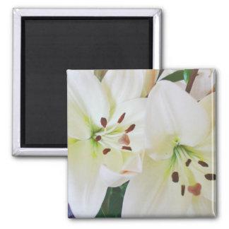 Las flores blancas del boda ahorran los imanes del imán