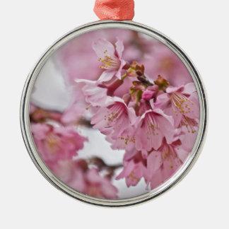 Las flores de cerezo de Sakura palidecen - rosa Adorno Navideño Redondo De Metal