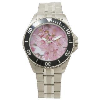 Las flores de cerezo de Sakura palidecen - rosa Reloj