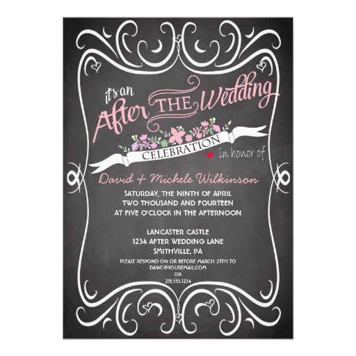 Las flores y el boda del poste de la pizarra de lo invitación