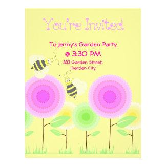 Las flores y las abejas invitan tarjetas publicitarias