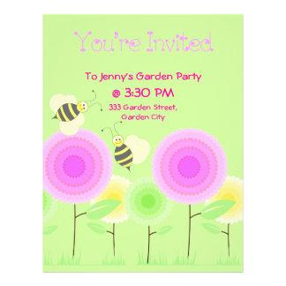 Las flores y las abejas invitan tarjeton