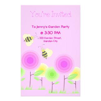 Las flores y las abejas invitan folleto 14 x 21,6 cm
