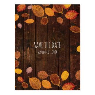 Las hojas de oro rústicas de la caída del otoño postal