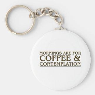 Las mañanas están para el café y la reflexión llavero