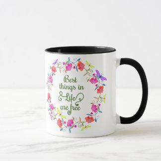 Las mejores cosas en vida son guirnalda floral taza