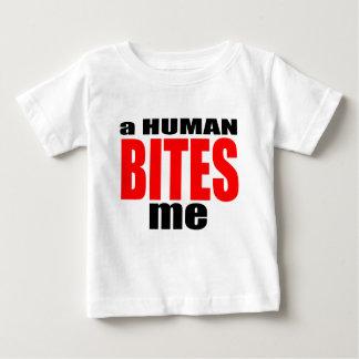 las mordeduras humanas extrañas de la infección camiseta de bebé