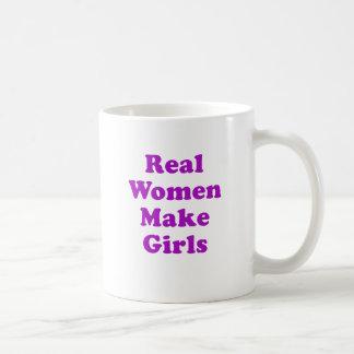 Las mujeres reales hacen a chicas taza básica blanca