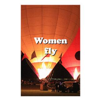 Las mujeres vuelan: globo 2 del aire caliente papelería