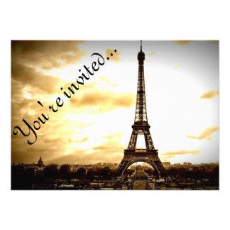 Las nubes sobre la apariencia vintage de París Invitaciones Personales