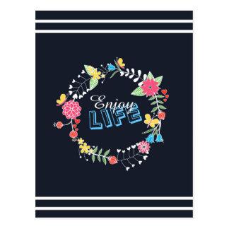 las palabras florales vibrantes femeninas de la postal