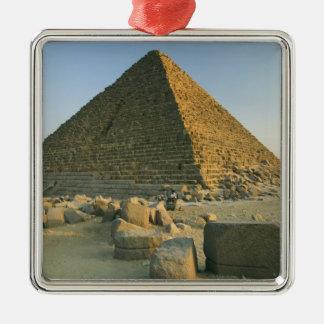 Las pirámides de Giza, que son 5000 2 alomost Adorno Cuadrado Plateado